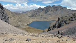 Our trekking group begins the long descent from the Huacahuasijasa Pass (4,500m) to Laguna Aruraycocha.