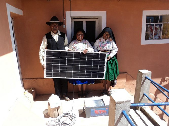 The Yanarico family with their newly received solar power system