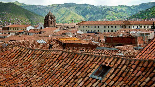 a view of the Cusco rooftops