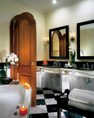 Hotel Four Seasons - Bathroom