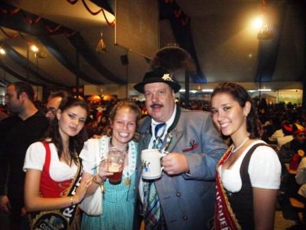 Oktoberfest, Peru, Peru For Less