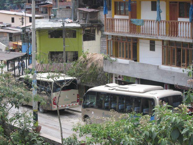 machu picchu bus