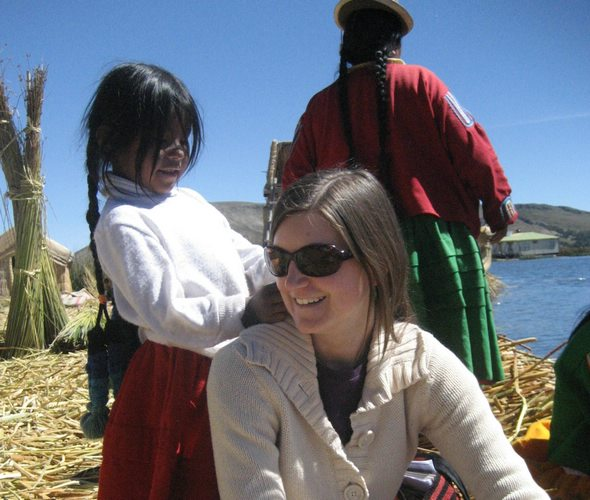 Young girl in Puno offers to give Brynna a new hair-do. Photo from Brynna B./Latin America For Less