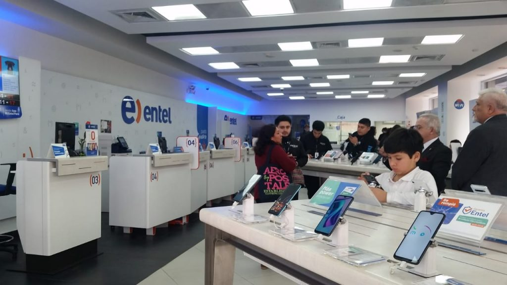 Inside the Entel store in Miraflores.