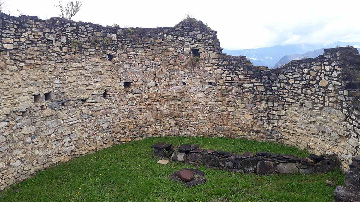 Stones stacked into circular shapes at the Kuelap ruins.