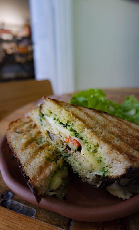 A sandwich at Las Vecinas.