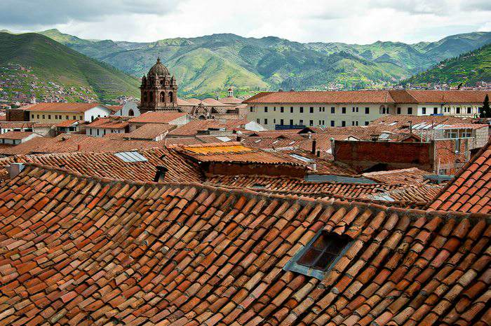 a view of the Cusco rooftops in Peru