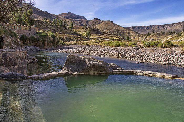 riverfront hot springs at Colca Lodge