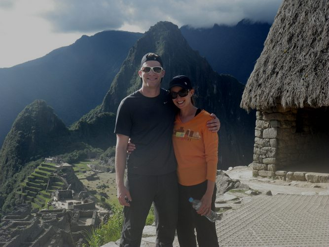 honeymoon couple at Machu Picchu