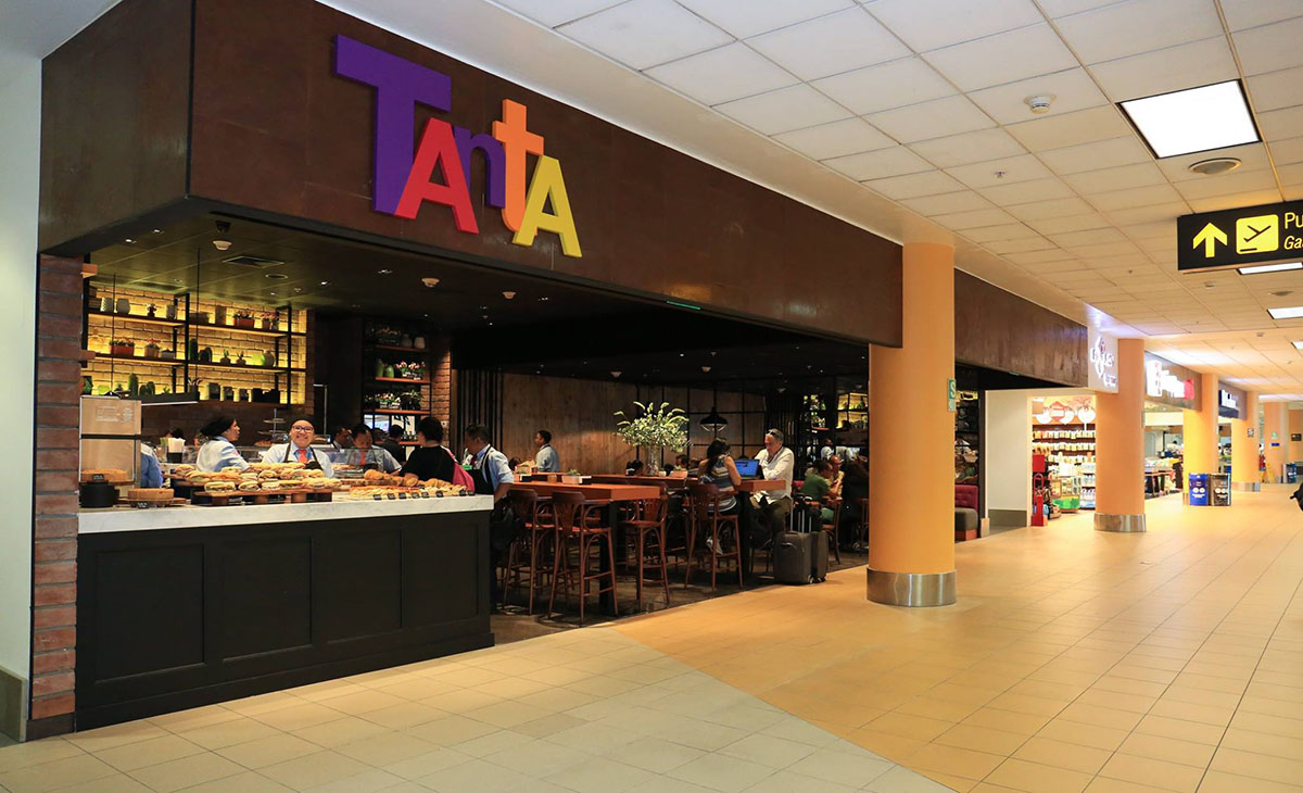 The Peruvian restaurant Tanta's stall in the Lima airport terminal.