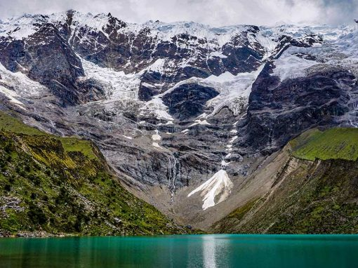 Glaciers feed minerals to Humantay Lake to give it its emerald and blue color.