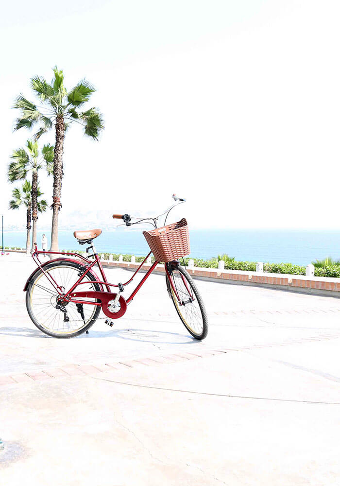 A bicycle on the malecon boardwalk in Miraflores