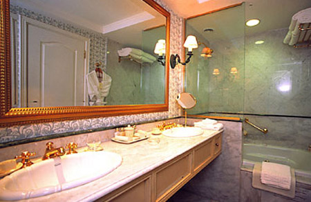 Iguazú Grand Hotel, Bathroom, Argentina 5 Star Hotels, Argentina vacation, Argentina for Less