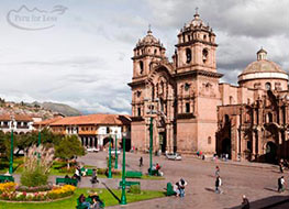 The colonial style Cusco Cathedral on one side of the main square